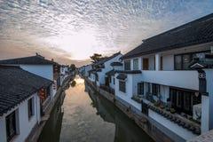 La ville de Suzhou, la ville antique du Lu jette un pont sur des personnes Image stock