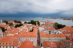La ville de Zadar, Croatie, vue d'en haut Image stock