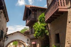 La ville espagnole (Poble Espanyol) est un musée architectural à Barcelone, Espagne images libres de droits