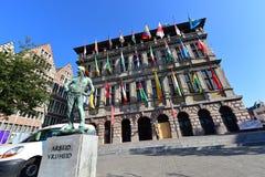 La ville hôtel d'Anvers se tient à la grande place du marché Photographie stock