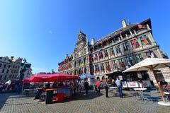La ville hôtel d'Anvers se tient à la grande place du marché Image libre de droits