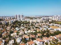 La visión aérea desde el abejón tiró de Rishon LeZion, Israel Imágenes de archivo libres de regalías