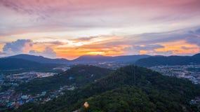 La visión aérea en Khao sonó la señal del punto de vista de la ciudad de Phuket Foto de archivo libre de regalías