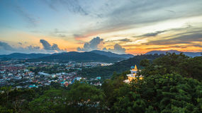 La visión aérea en Khao sonó la señal del punto de vista de la ciudad de Phuket Imagen de archivo