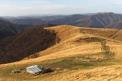 La visión desde arriba de la montaña, paisaje, casa imágenes de archivo libres de regalías
