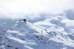 La visión desde el Rothorn 3.103 m muestra los picos más altos de las montañas suizas Valais, Switzerland Imágenes de archivo libres de regalías