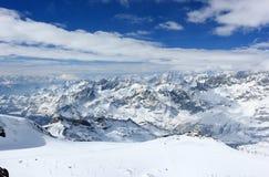 La visión desde Klein Cervino 3.883 m muestra los picos más altos de las montañas suizas Valais, Switzerland Imágenes de archivo libres de regalías