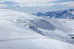 La visión desde Klein Cervino 3.883 m muestra los picos más altos de las montañas suizas Valais, Switzerland Imagenes de archivo