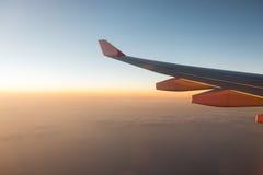 La visión desde la altura de los aviones de jet de la ventana Imagen de archivo