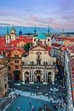 La visión desde la torre de Praga en la ciudad Foto de archivo