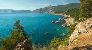 La visión desde las montañas a la costa del Mar Negro Fotografía de archivo libre de regalías
