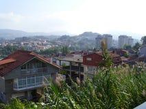 La visión desde una colina contiene la vivienda de la ciudad de Vigo Imagen de archivo libre de regalías