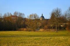 La visión en los Dom (catedral) y un monasterio Imágenes de archivo libres de regalías