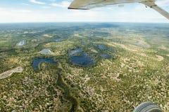 Vuelo sobre inundar partes en Botswana Imagen de archivo libre de regalías