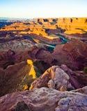 La visión que pasa por alto el punto del caballo muerto y el Green River en Utah Imagen de archivo