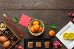 La visión superior tiró de Año Nuevo chino de la decoración del arreglo y lunar Foto de archivo