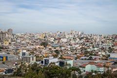 La vista aérea de Caxias hace la ciudad de Sul - Caxias hace Sul, Río Grande del Sur, el Brasil fotografía de archivo libre de regalías