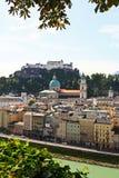 La vista aérea de la ciudad de Salzburg, Austria Fotos de archivo