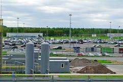 La vista aérea del auto del aeropuerto apretó el estacionamiento en el aeropuerto internacional de Pulkovo en St Petersburg, Rusi Fotografía de archivo libre de regalías