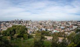 La vista aérea panorámica de Caxias hace la ciudad de Sul - Caxias hace Sul, Río Grande del Sur, el Brasil Foto de archivo