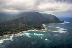 La vista aerea dei tunnel tira e scogliera, Kauai, Hawai Fotografia Stock Libera da Diritti