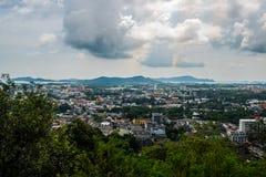 La vista aerea del paesaggio di Phuket da Khao ha suonato fotografia stock