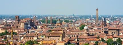 La vista aerea di giro di Bologna fa un giro turistico l'Emilia Romagna Fotografia Stock