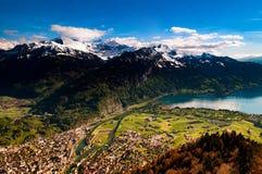 La vista aerea di Interlaken e le alpi svizzere da Kulm più duro osservano la p Fotografia Stock Libera da Diritti