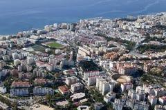 La vista aerea di Marbella con il suo campo di calcio ed il toro suonano. Fotografie Stock Libere da Diritti