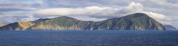 La vista al Marlborough suena, Nueva Zelanda imagen de archivo libre de regalías