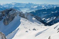 La vista all'alpe alza dalla montagna di Pilatus a Lucerna, Svizzera Fotografia Stock Libera da Diritti