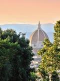 La vista alla cattedrale famosa del duomo Immagini Stock