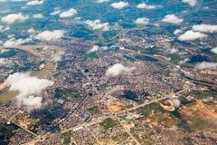 La vista bird's-eye de una ciudad Fotos de archivo libres de regalías