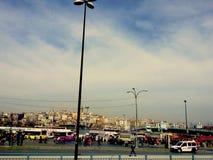 La vista blu della città di Costantinopoli di trasporto immagini stock