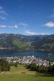La vista da Schmittenhöhe a Zell vede & lago Zell Immagine Stock