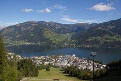 La vista da Schmittenhöhe a Zell vede & lago Zell Fotografie Stock