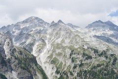 La vista da Valbona passa le alpi albanesi Immagine Stock Libera da Diritti