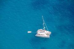 La vista dal belvedere Punta Cannone della piattaforma di osservazione in Capri, Italia immagini stock