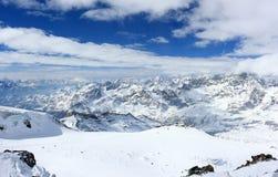 La vista dal Klein il Cervino 3.883 m. montra gli più alti picchi delle alpi svizzere Il Valais, Switzerland Immagine Stock Libera da Diritti