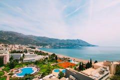 La vista dall'hotel sulla passeggiata di Becici Fotografia Stock Libera da Diritti
