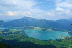 La vista dalla cima della montagna ha chiamato Bleckwand che trascura Wolfgangsee in Austria, Europa Immagini Stock