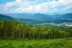La vista dalla cima della montagna Mala Sinuha, montagna Alta Fotografia Stock