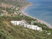 La vista dalle montagne alla spiaggia Immagini Stock