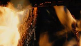 La vista de la cámara lenta del fuego almacen de video