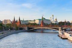 La vista de la Moscú el Kremlin en la puesta del sol, Moscú Foto de archivo libre de regalías