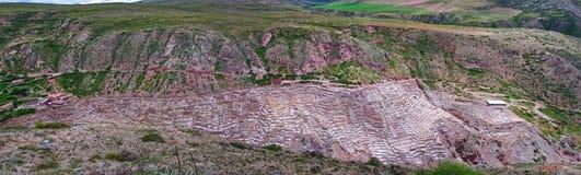 La vista de la sal acumula, Cuzco, Perú imágenes de archivo libres de regalías