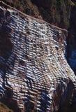 La vista de la sal acumula, Maras, Cuzco foto de archivo libre de regalías