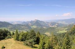 La vista de las montañas de Pieniny Fotos de archivo libres de regalías