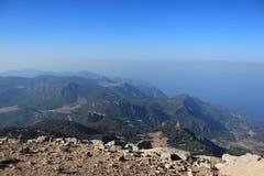 La vista de las montañas y del mar 8 Imagen de archivo libre de regalías