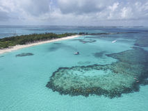 La vista de los dedos del pie arenosos isla, Bahamas vara Imagen de archivo